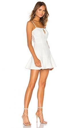 Платье by the way.