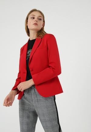 Пиджак  красный цвета