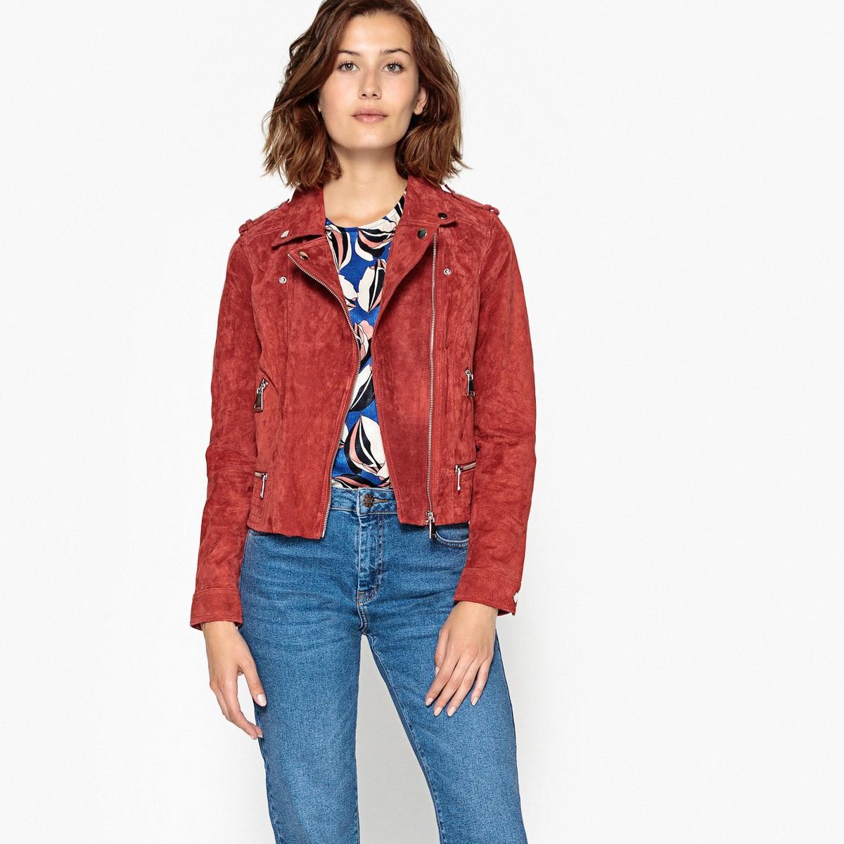 Куртка  красный цвета