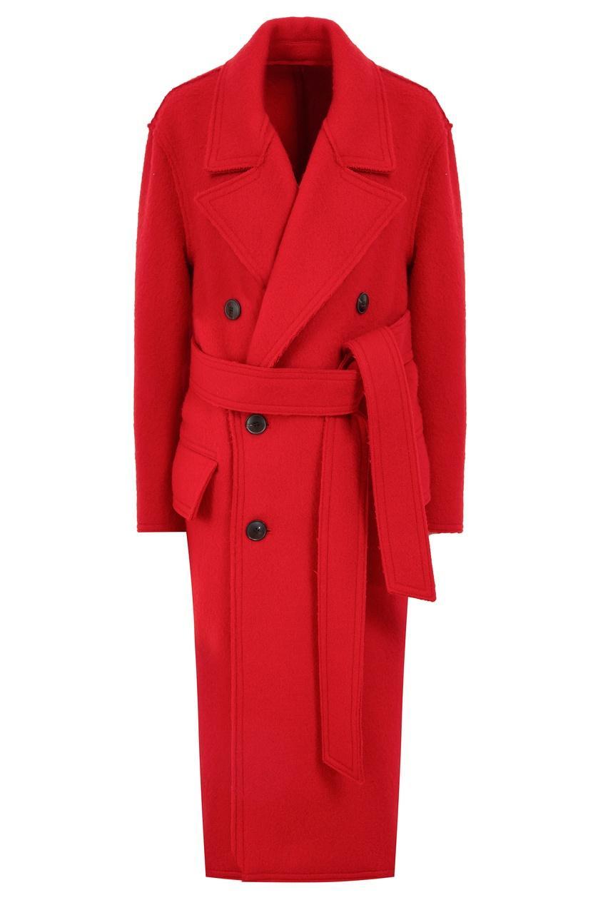 Пальто  - красный цвет