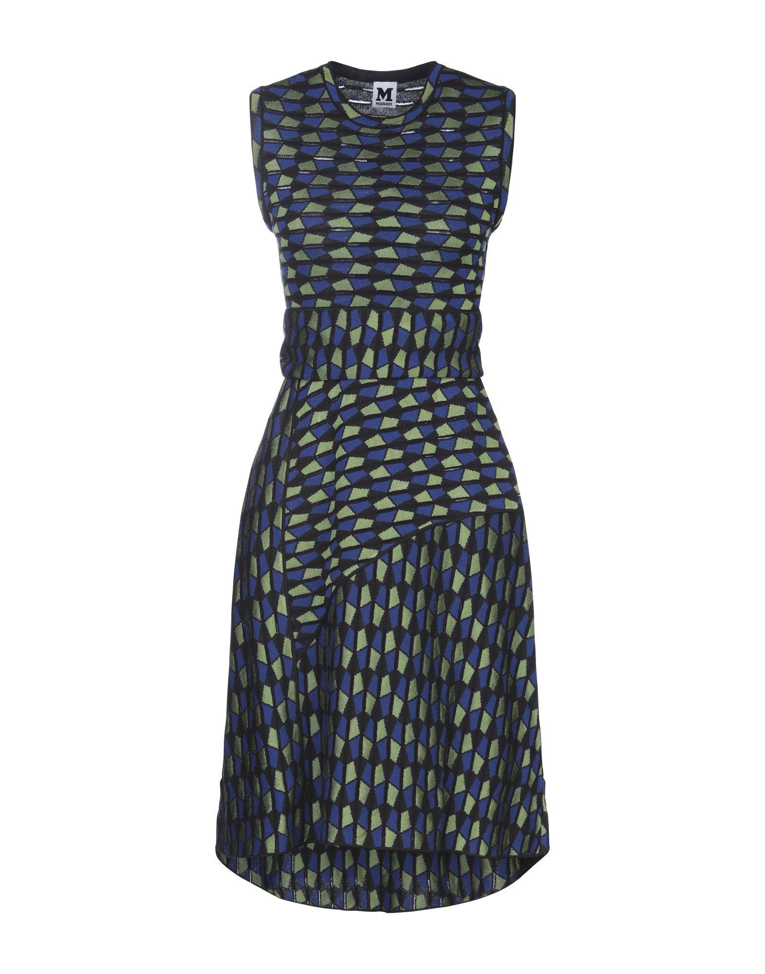 Короткое платье  - Синий цвет