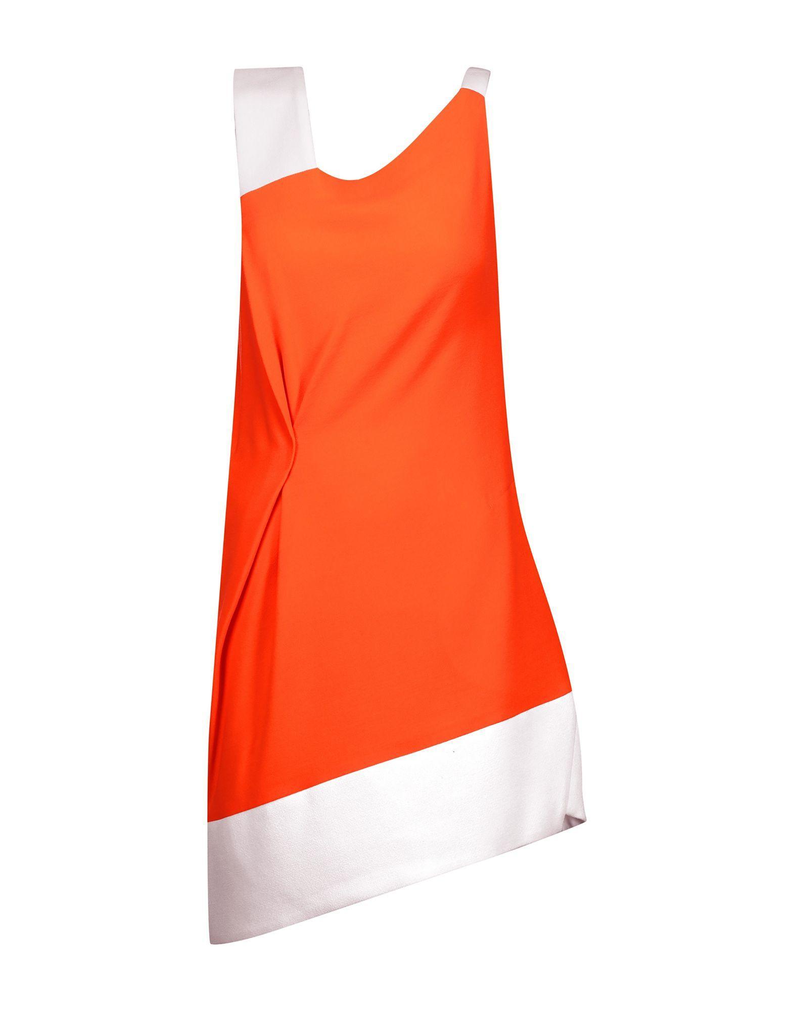 Короткое платье  Оранжевый цвета