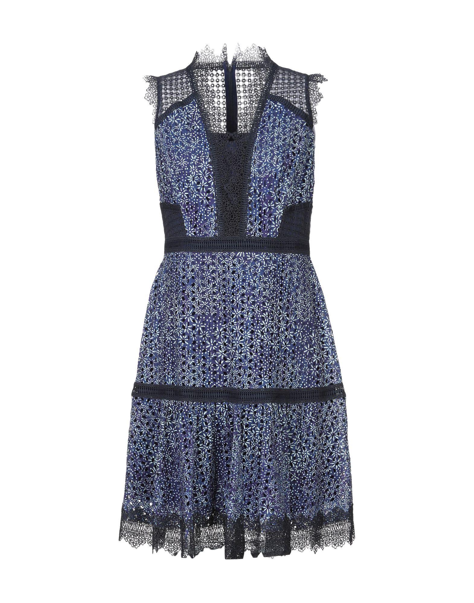 Платье до колена  - Синий цвет