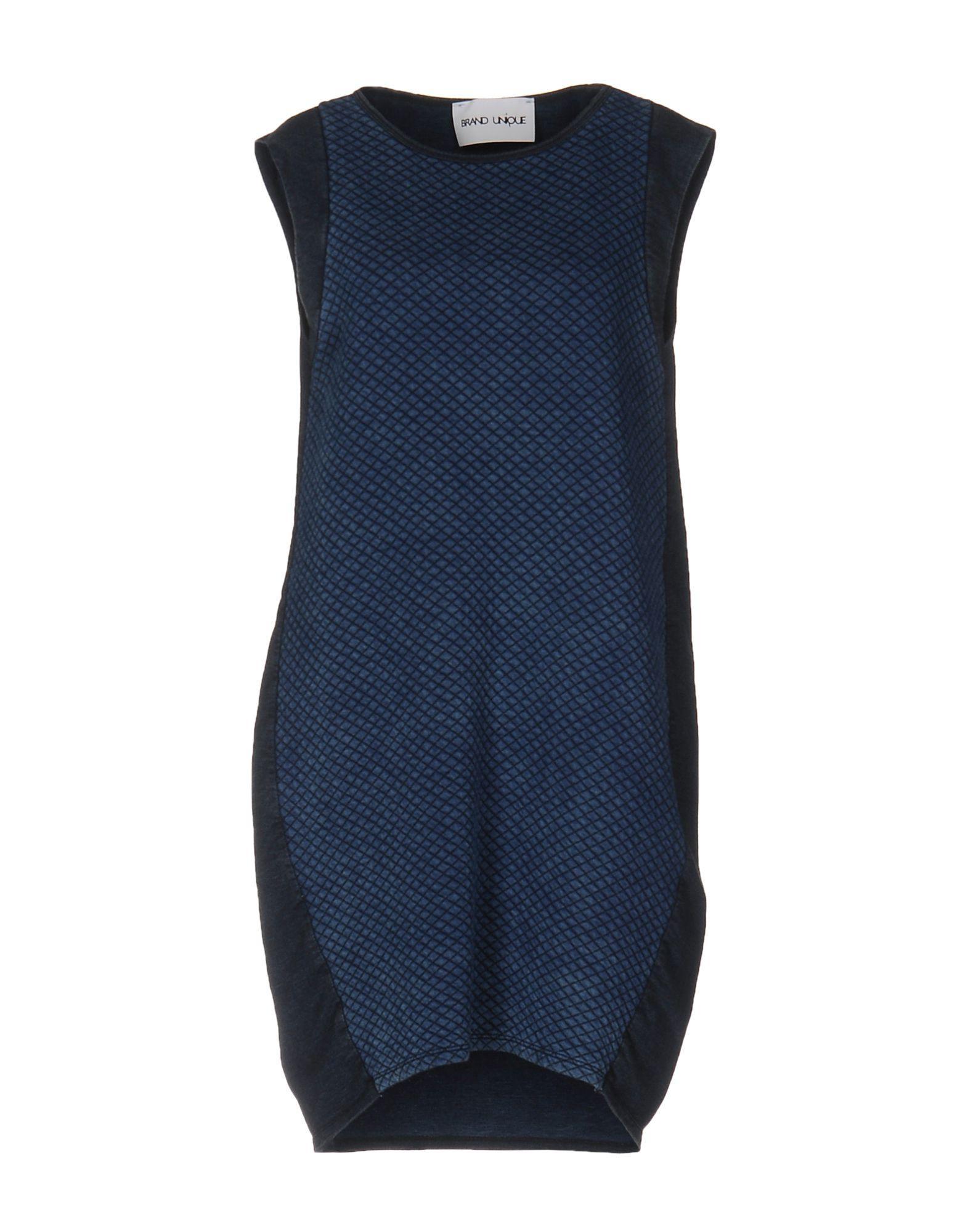 Короткое платье  Синий цвета