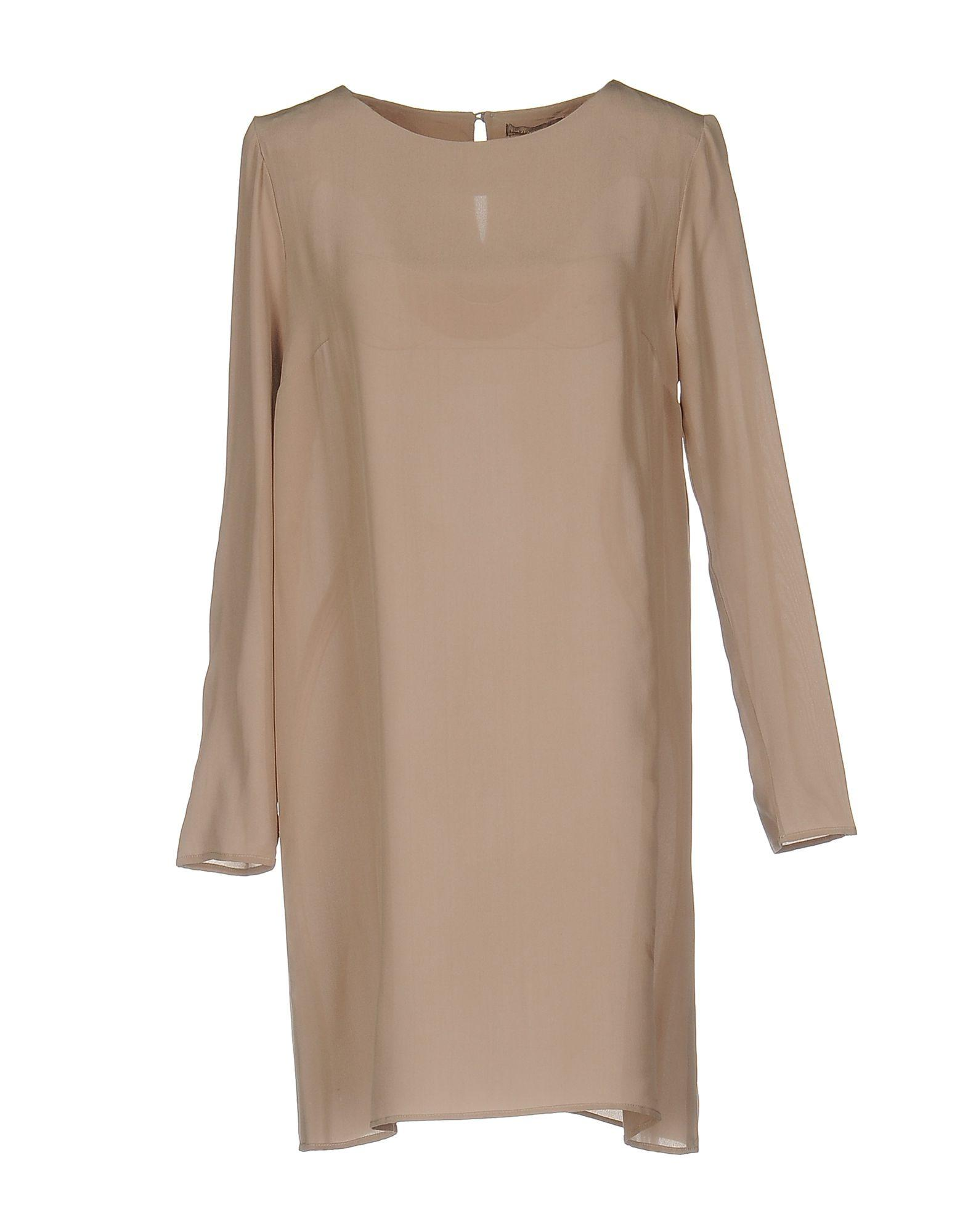 Короткое платье  Серый цвета