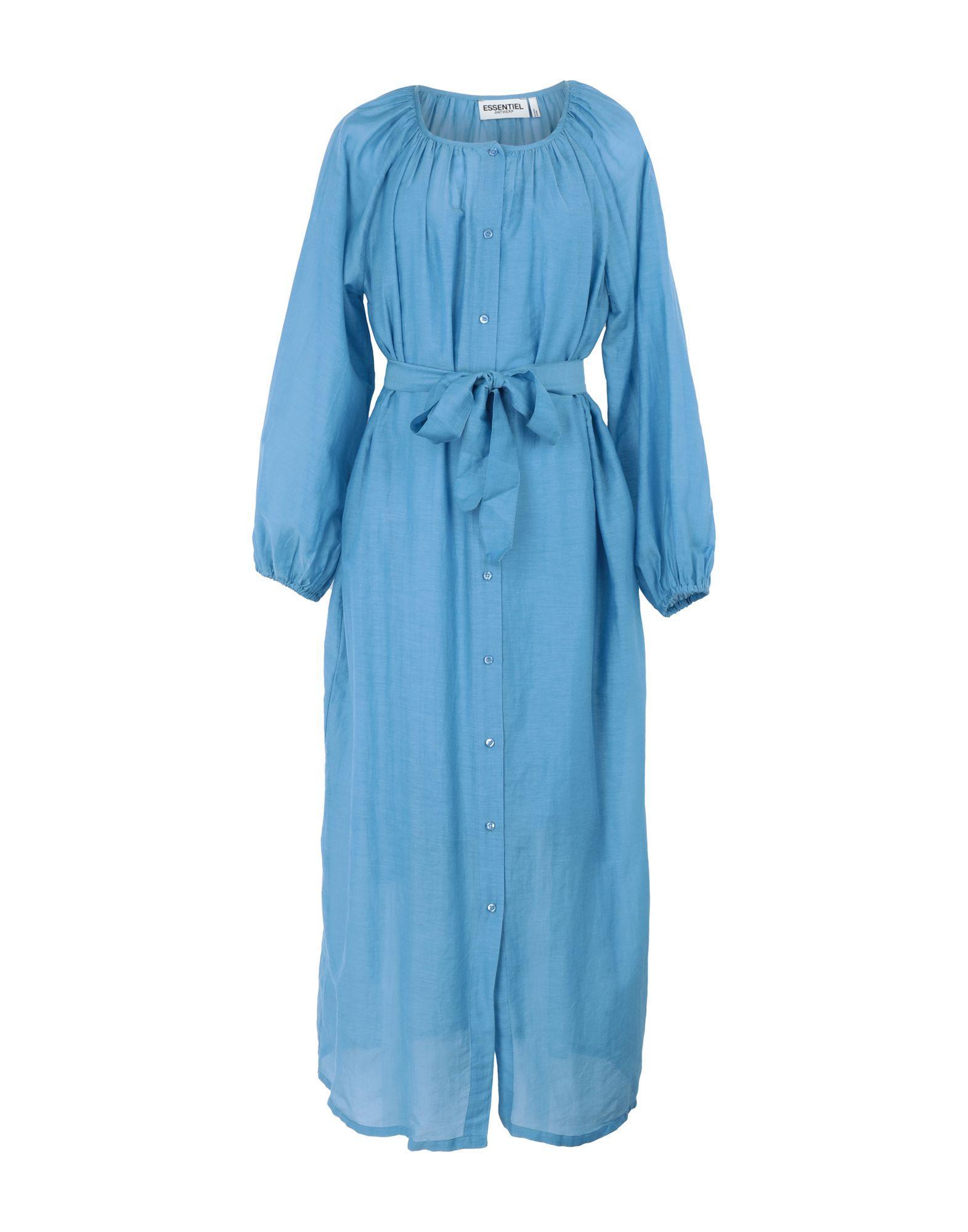 Длинное платье  - Голубой цвет